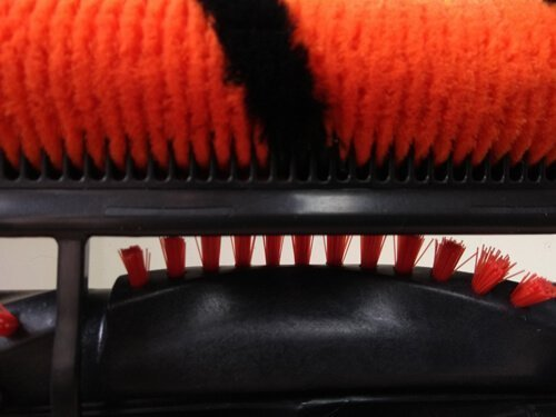 Shar P50 DuoClean brush roll comb upclose