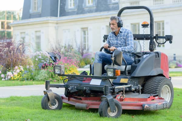 man on zero turn radius mower