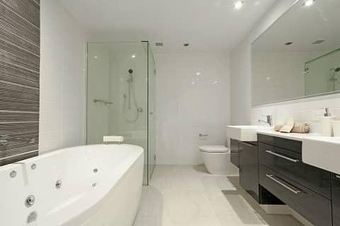 natural bathroom cleaner